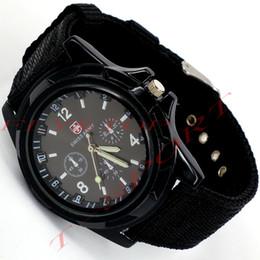 2017 reloj del ejército suizo deporte militar Al por mayor-venta CALIENTE de Lujo Analógica de la moda nueva DEPORTE de MODA de ESTILO MILITAR RELOJ de PULSERA para HOMBRES del EJÉRCITO SUIZO reloj de cuarzo,NEGRO/color BLANCO reloj del ejército suizo deporte militar oferta