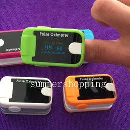 Wholesale Fingertip Pulse Oximeter Alarm Health Care OLED Display Blood Oxygen SpO2 Saturation Oximeter Monitors Colors Factory Price