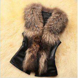 2017 women s faux fur vest coletes de pele nova falso moda para as mulheres S-3XL plus size magro casacos sem manga casaco de inverno feminino com frete grátis cinto colete de Pelé à venda women s faux fur vest