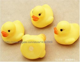 100pcs New Baby Bath Water Toy toys Sounds Yellow Rubber Ducks Kids Bathe Children Swiming Beach Duck Ducks Gifts