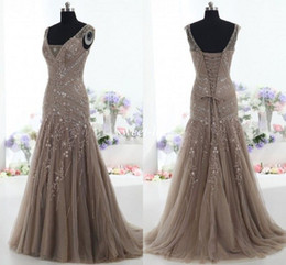 Wholesale Actual Images Vintage Mother of the Bride Dresses Mermaid V Neck Applique Beads Tulle Corset Custom Made Mother Formal Evening Gowns