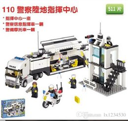 Wholesale Building blocks pieces high quality assembling series police car command vehicle assembling toys