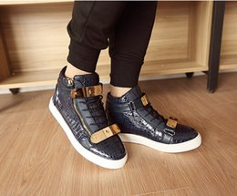 Wholesale 2016 NEW Men s Casual sneakers boots Fashion metal punk shoes for men Running shoes high shoes Color NX51