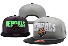 Wholesale All team Fluorescent snapback sprots hats basketball football Hip Hop flat caps Adjustable highly Reflective Surface sports caps MZ015 DHL