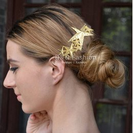 Wholesale Catwalk Gold Textured D Shooting Star Hair Pin Clip Dress Snap Barrette Comb Jewelry