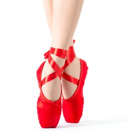 Wholesale New fashion on sale high quality ladies professional ballet pointe dance shoes with ribbons shoes woman zapatos de baile
