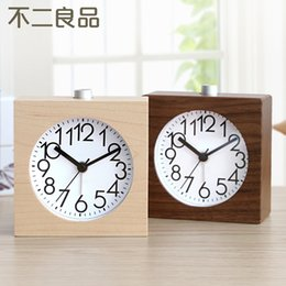 Wholesale High quality luminous mute small alarm clock fashion personality clock wood products high quality maple walnut