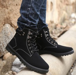 Wholesale England Mens Leather Ankle Boots Fashion Trend Martin Boots For Men Vintage Style Round Toe Lace Up Men Work Boots Retail H625