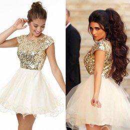 Stunning Gold Sequined Graduation Dresses Sleeves A-Line Jewel Neckline Cheap Homecoming Dress Short Mini Prom Gowns For College