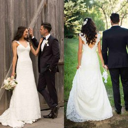 2016 Spring Garden Sheath Lace Wedding Dresses Covered Button Backless Elegant Vestido De Novia Court Train Bridal Party Gowns 2015