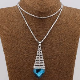 Wholesale fashion crystal Necklace pendant Women High quality and inexpensive Jewelry Necklace Charm Beautiful Jewelry for Women