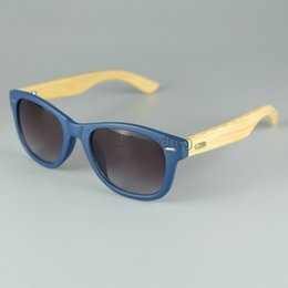 Wholesale LOGO Engraved Available Wood Sunglasses Designer Natural Bamboo Sunglass Eyewear Glasses Style Hand Made Wooden Temple Plastic Frame Color