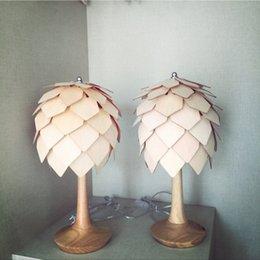 Wholesale Wood Desk Lamp Creative DIY Artichoke Lamp Natural Color Living Room Bedside Wood Pine Cone Lights