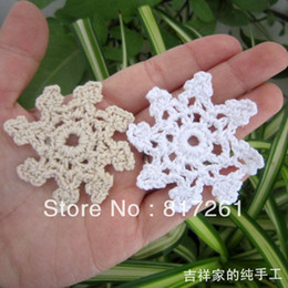 2013 new free shipping 50 pics lot 5.5 cm crochet stars lace snowflake for Christmas tree decoration for party star flowers mat