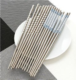 Wholesale New set Pair Elegant Flower Print Stainless Steel Chopsticks for Home Restaurant Eco Friendly Portable Chinese Chopstick Gift