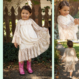 New Vintage Lace Flower Girls Dresses Tea Length Summer Long Sleeve Garden Light Champagne Kids Skirt Country Wedding Party Gowns 2019 Cheap