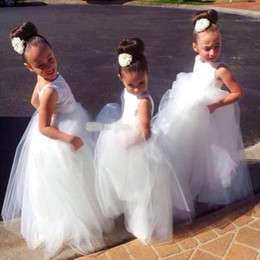 2020 Cute New Crew Neck Long Flower Girl's Dresses Pretty Backless Tulle A-line Floor Length Little Girls Wedding Party Dresses BO9175