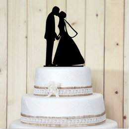 Wholesale Black Acylic Engaged Cake Topper Bride Groom Kiss Anniversary Cake Toppers Bridal Cake Toppers Cake Top Wedding Supplies New