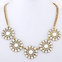 Fashion Vintage Crystal Flower Necklace Jewelry All Match Women Elegant Necklace Link Chain Necklace Jewelry