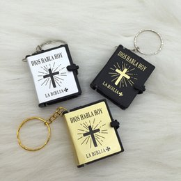 Wholesale English Christian Gospel key chain Christmas gifts crafts mini bible keychain God day school supplies prizes key ring