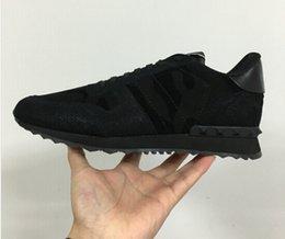 Wholesale NEW Designer Brand V luxury valentineing black men trainers Rock runner shoes women Men genuine leather sneakers size