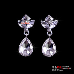 Hot Sale CZ Diamond Crystal Bead Wedding Earrings Fashion Silver Sterling Eardrop Stud Earring For Women For Evening Prom Party Jewelry Chic