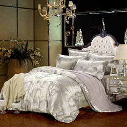 Wholesale Desinger Bedding Set Jacquard Satin Silk Silver Grey Violet Conforter Set Bright Color Comforter Sets colchas de cama queen