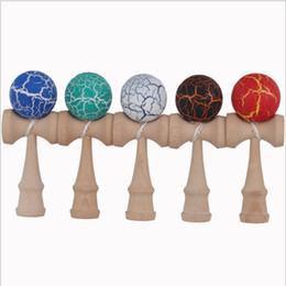 Wholesale FEDEXIP DHL Livraison gratuite Boule de crack de cm Kendama Ball Jeu de bois traditionnel japonais Jeu d éducation Cadeaux