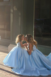Romantic Sky Blue Ball Gown Flower Girl Dresses For Wedding Lace Floral Appliques Mother and Daughter Party girls pageant gowns