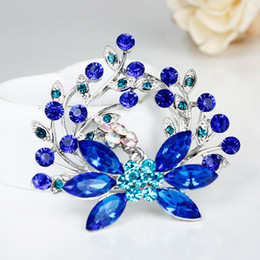 Factory wholesale Women Jewelry Gift Fashion Alloy Brooch Silver Flower Crystal Jewelry Rhinestone Brooch Women For Wedding
