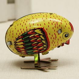 Wholesale Latest Arrival Classic Wind Up Children Chick Tin Toy Clockwork Spring Pecking Chick Vintage Style For Kids