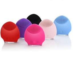 Wholesale Easyface Electric Silicone Skin Wash brush Whitening Face Cleaning Care vibration Tools colors