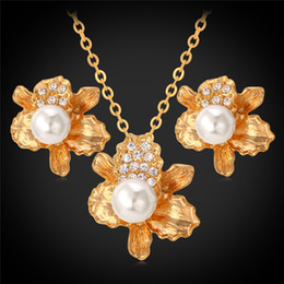New Fashion Irregular Flowers Pendant Necklace Stud Earrings for Women 18K Real Gold Plated Crystal Pearl Set