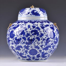 Wholesale Special offer Jingdezhen high end antique blue and white lotus storage tank housewarming gifts