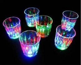 Wholesale New Arrive Mini LED Flashing Plastic Beverage Wine Cup Bar Parties Club Decorative Mug