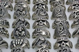 Mixed Lots Gothic Skull Carved Biker Mixed Styles Men's Anti-Silver Alloy Rings Retro New Jewelry Mixed Sizes [R0302*20]