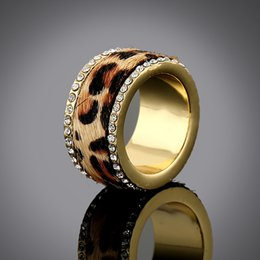 Wholesale Size7 Textured High Quality Clear Rhinestone Classic Horse Hair Fur Leopard Ring Women Gold Shiny Animal Print Ring