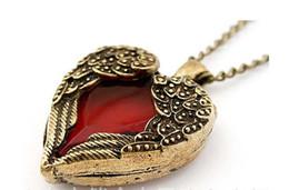 2017 bijoux de pierres précieuses Filles de rétro ailes coeurs avec Crystal Red Section Gem mignon chaîne Sautoir collier pendentif Pull Comme cadeau bijoux des femmes ZJ-N22 bijoux de pierres précieuses ventes