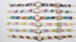 Montres de gros perle en Ligne-Vente en gros Montres de Mode Quartz Montres Résine Quatre Leaf Clover Fleur Pearl Bracelet Montres Rainbow Strap Watches
