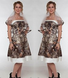 2016 Short Camo Wedding Dresses Sexy Strapless Knee Length Camouflage Bridal Gowns With Veils Forest Formal Party Dresses Custom Made