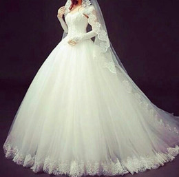 2016 Ball Gown Lace Wedding Gown Elegant Luxurious Beaded Strapless Wedding Dresses Bridal Gown Lace Up