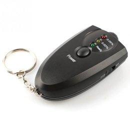 Promotion alcool trousseau Gros-2016 Promotion New Car Styling précis Breath Alcohol Tester l'alcootest de poche LED Display Mini Keychain