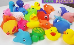Wholesale EMS Free Baby Bath Toys Water Floating Dolls Animal Cartoon Yellow Ducks Starfish Children Swiming Beach Rubber Toy Kids Gifts I4313