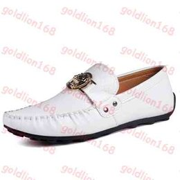 Wholesale Hot Sale Men loafers genuine leather shoes best quality handmade moccasins casual slip on flats driving shoes brand sneakers for men