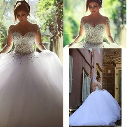 Long Sleeve Wedding Dresses with Rhinestones Spring Quinceanera Dresses Crystals Vintage Bridal Gowns Backless Ball Gown Wedding Dress