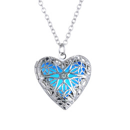 2015 New Halloween Christmas Day Blue Green Glowing Heart Necklace Glow In The Dark Fairy Fluorite Magical Necklaces 12PCS lot