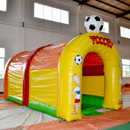wholesall Inflatable football game kids playground inflatable sport game for kids inflatable toy for Outdoor Game