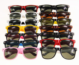 Wholesale 2016 New Arrival mm Fashion Classic Sunglasses Eyewear Men s Beach Sun Glass Multi color Sunglass Box Card