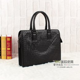 Wholesale discount High quality genuine leather weave handbag B bag men s bag black briefcase