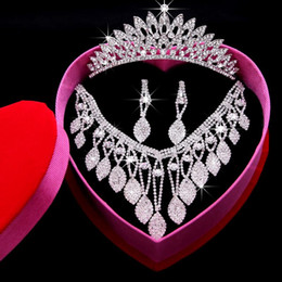 2019 hot sale Rhinestone Flowers bridal jewelry Sets Crown Earrings Neckline 3 Pieces Tiaras For Wedding Hair Accessories Bridal Jewelry